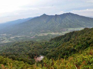 Lupakan Gunung Tertinggi, Gunung Rendah Juga Banyak yang Indah 5