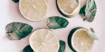 Cara menghilangkan komedo, jerawat dan beruntusan dengan lemon 6