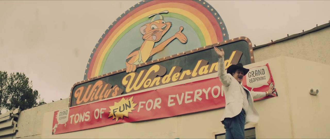 Tex Macadoo ketika membuka Willy's Wonderland