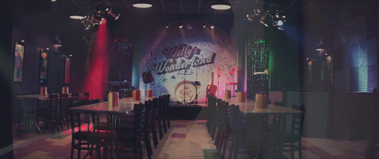 Willy's Wonderland yang telah bersih dan bebas dari animatronik