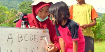 Menyeruak Kebisuan Pelajar Dari Perbatasan Daerah 14
