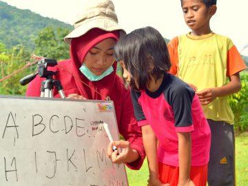 Menyeruak Kebisuan Pelajar Dari Perbatasan Daerah 6