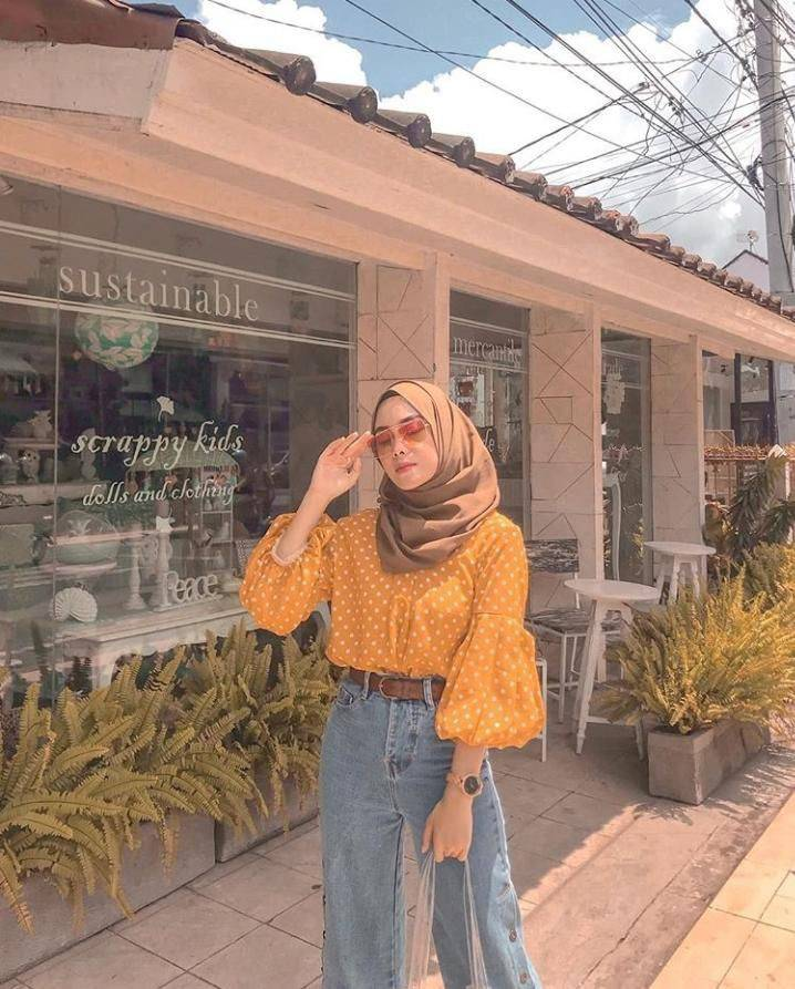 Makin Kekinian dengan 9 Outfit ala Hijabers 7