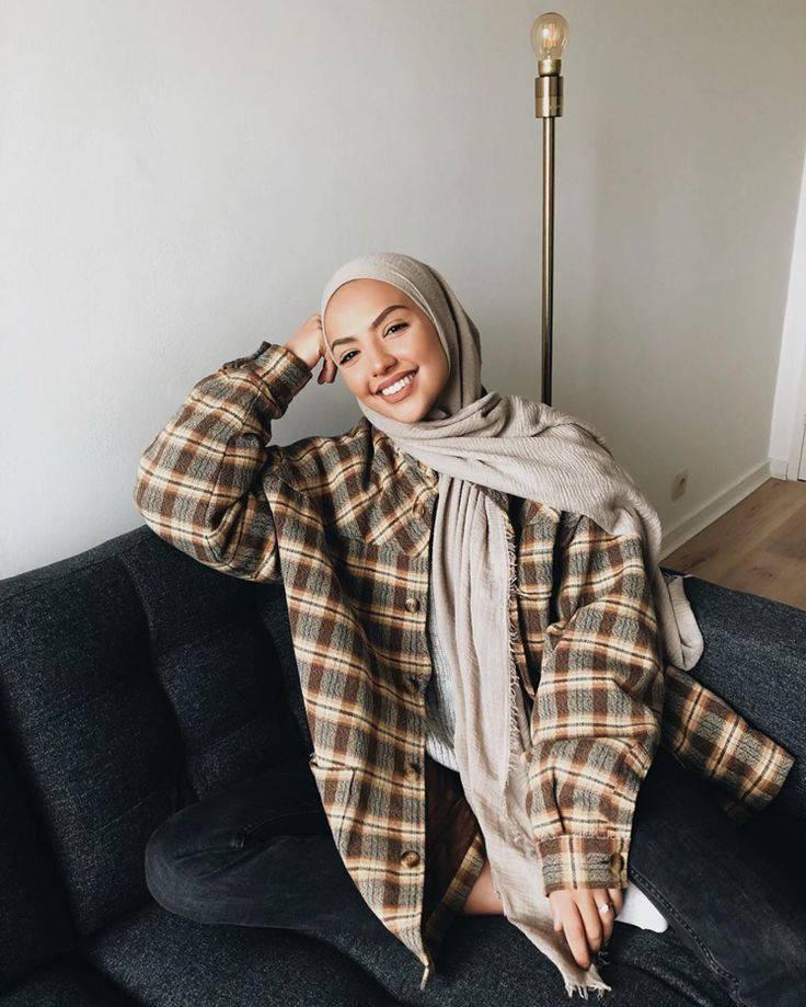 Makin Kekinian dengan 9 Outfit ala Hijabers 10