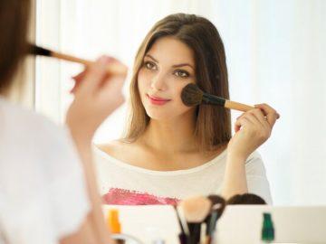 Make up wajib yang sederhana agar tampil cantik saat wisuda 4