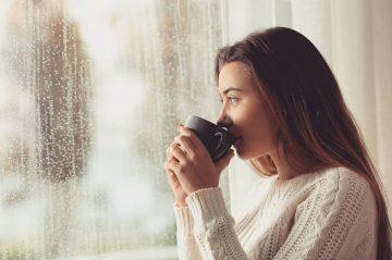 Lima Minuman yang Cocok Dinikmati Saat Hujan, Bikin Yuk! 1