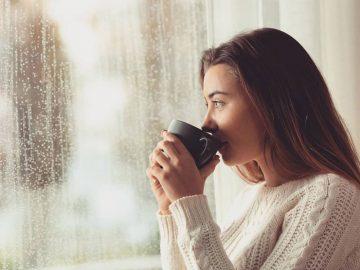 Lima Minuman yang Cocok Dinikmati Saat Hujan, Bikin Yuk! 12