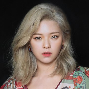 "4 Pesona TWICE Yoo Jeongyeon ""The Ultimate Bias"" 15"