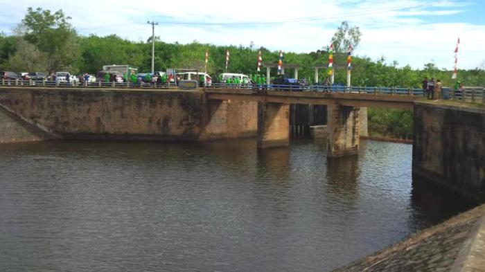 Photo. 4. Bendungan aliran Danau Gegas di Kab Musi Rawas