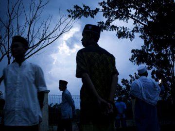 """Tradisi Lokal Pengikut Tarekat Syattariyah """"Maliek Bulan"""" di Koto Tuo 7"""