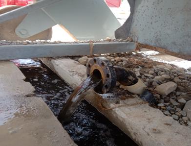 Gambar.8. Proses flushing pipa untuk menghilangkan kotoran dalam pipa