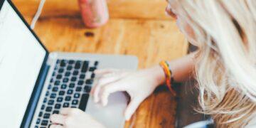 Pembayaran Fee Menulis Dengan Sistem Fix Fee Dan Per View, Mana Lebih Menguntungkan? 13