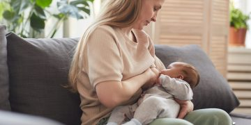 Bayi Adopsi, Memberikan Donor ASI Amankah? 13
