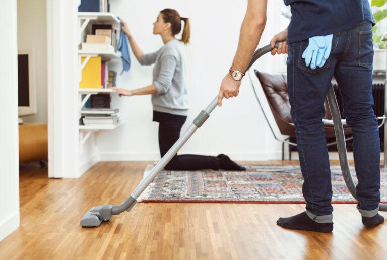 Bersihkan Rumah di Malam Hari dan Rasakan Manfaatnya! 1
