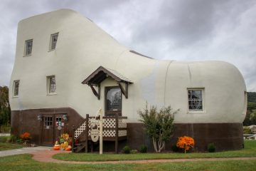 Inilah 7 Rumah dengan Desain Aneh di Dunia 12