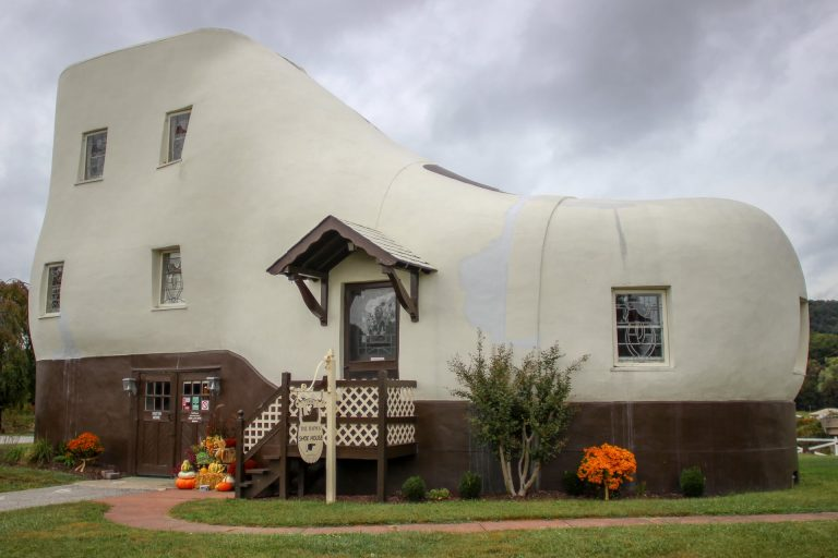 Inilah 7 Rumah dengan Desain Aneh di Dunia 1