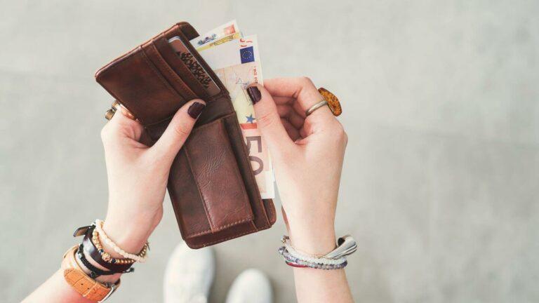 5 Kebiasaan Keuangan Yang Butuh Kamu Kuasai, Biar Ga Boros Terus-Terusan 1
