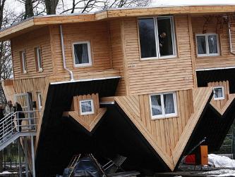 Inilah 7 Rumah dengan Desain Aneh di Dunia 3