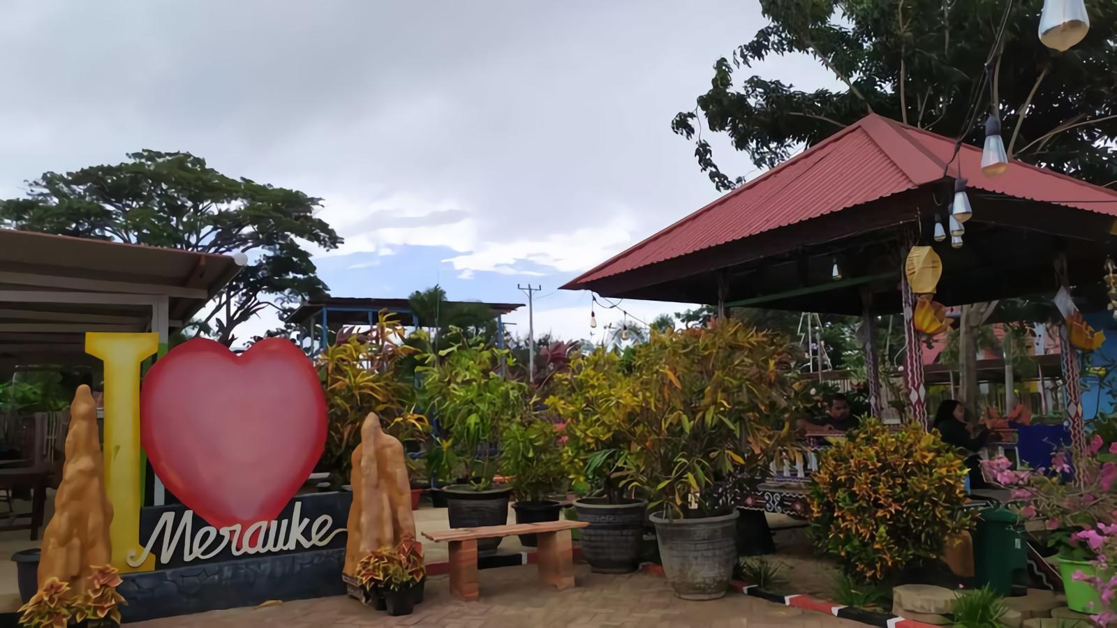 Foto : Area sekitar Taman Satwa Yamai Atib ( Sumber : dok.pri/Rian Raymon )