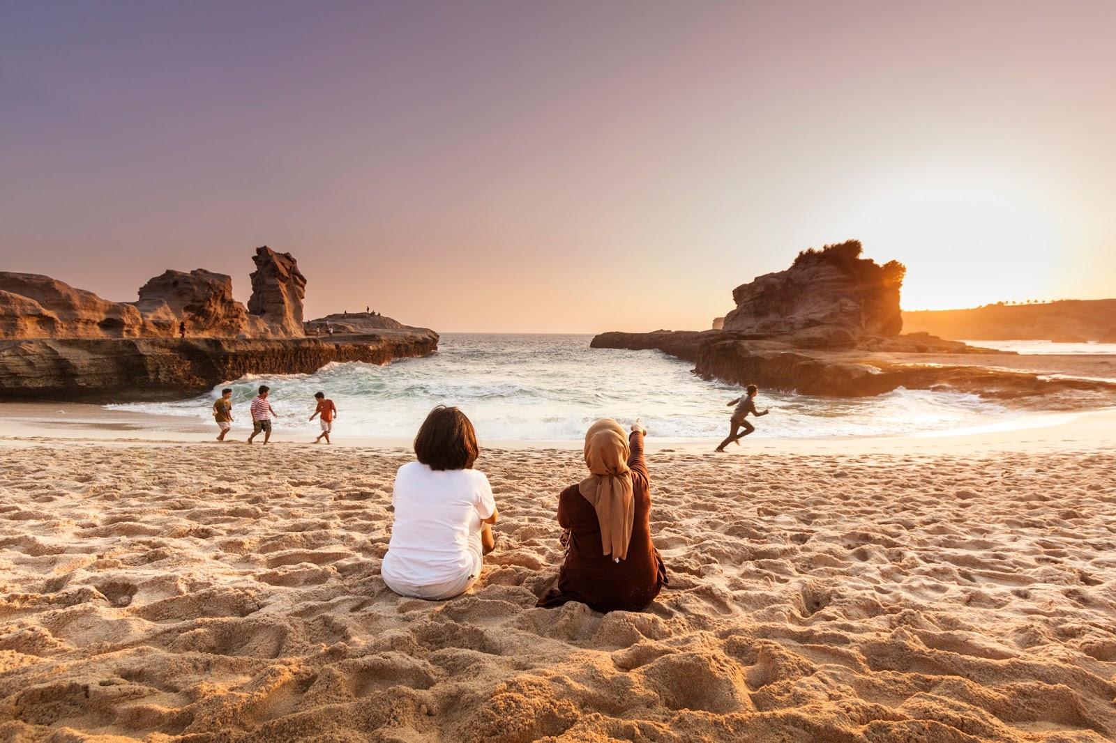 Pantai Klayar di Pacitan: Jalur Sampai Ticket Masuk 2