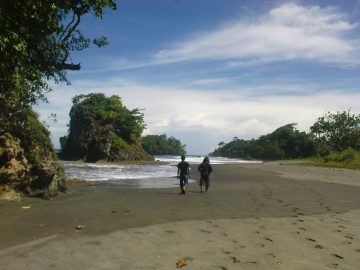 Madasari, Pantai Tersembunyi nan Eksotis di Pangandaran 9