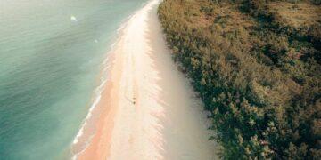 Lima Pantai Yang Wajib Kamu Kunjungi di Tuban, Jawa Timur 18