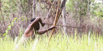 Kegiatan Berburu Hewan oleh Suku Kanume 5