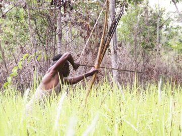 Kegiatan Berburu Hewan oleh Suku Kanume 3