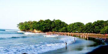 Pantai Batukaras, Alternatif Bali ? 17