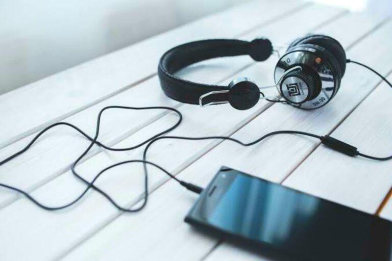 Cara Mendapatkan Uang Hanya dengan Mendengarkan Musik 1