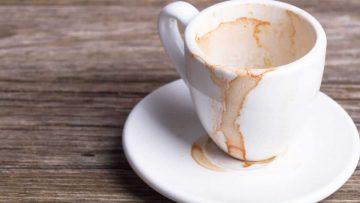 Mug Kesayangan Penuh Bekas Kopi dan Teh, Bersihkan Dengan Baking Soda! 20