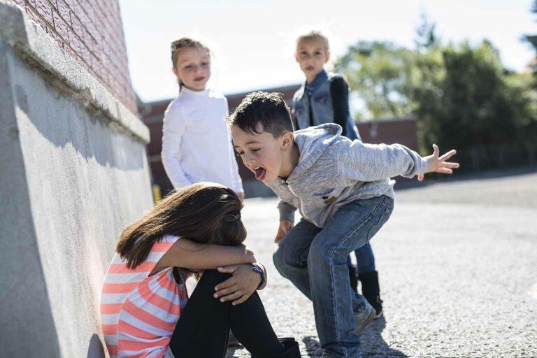 Inspirasi Harian, Jangan Mau Dipandang Rendah. Stop Bullying 1