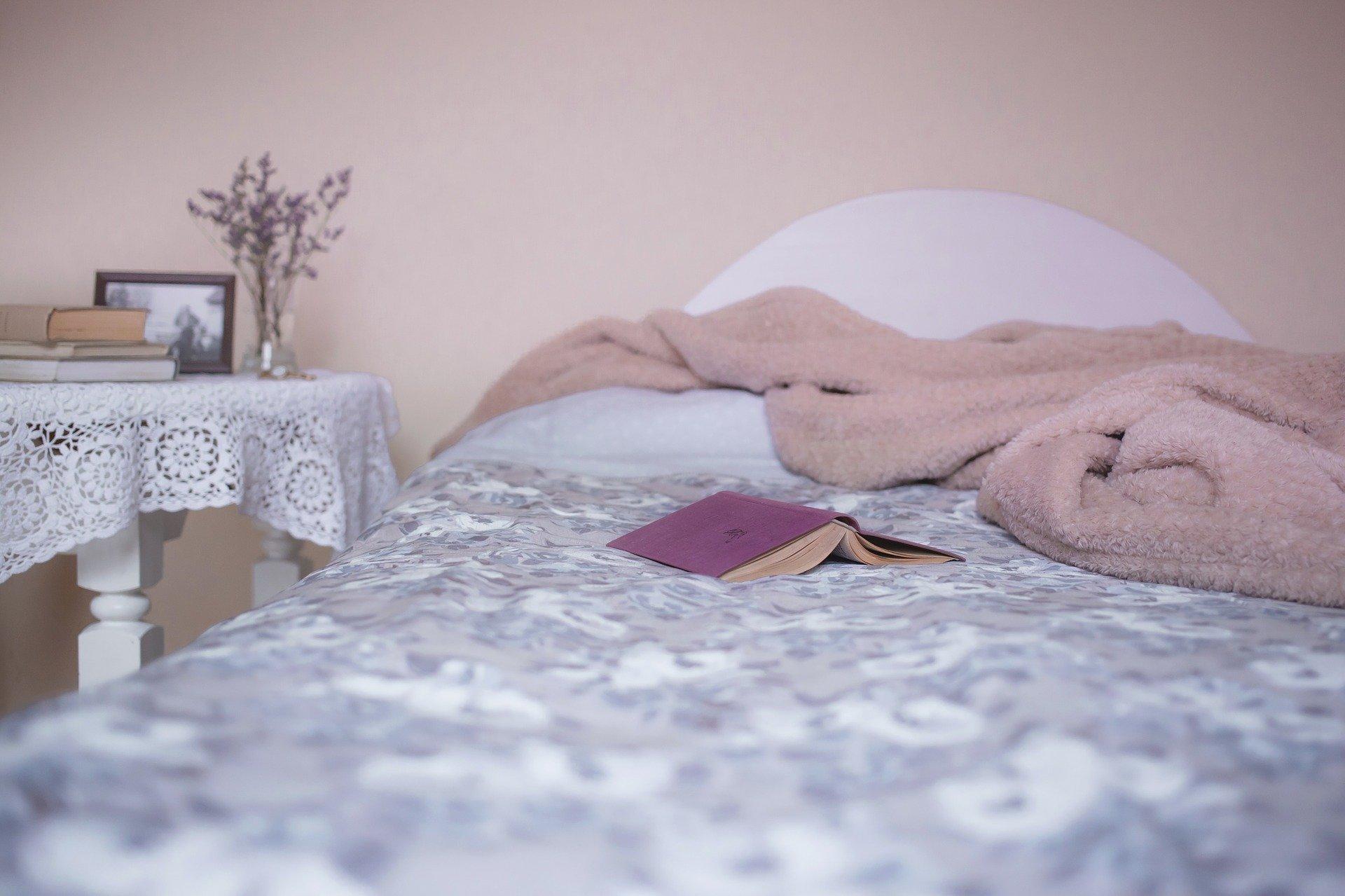Ilustrasi kamar berantakan. (Pixabay.com)