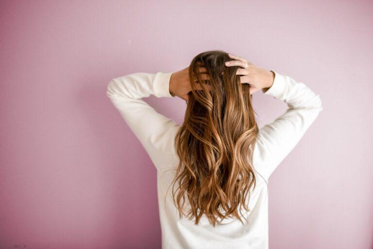 5 Tips Mengatasi Rambut Rontok. Salah Satunya Dari Resep turun-temurun 1