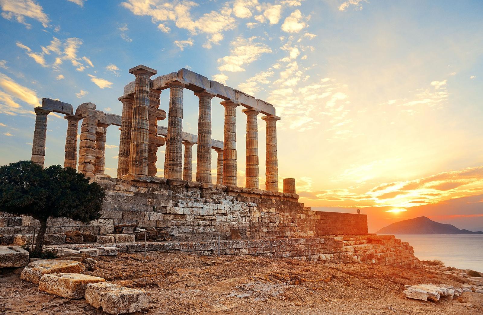 Kuil Poseidon(Sumber: www.nationalgeographicexpeditio.eu)