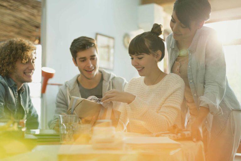 5 Rekomendasi Kado Sederhana untuk Sahabat 1