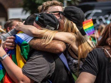 LGBT Berhubungan Dengan Pengalaman Masa Lalu? 6