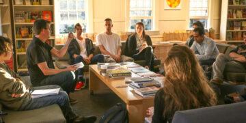 10 Manfaat Mengikuti Organisasi bagi Mahasiswa yang Harus Diketahui 15