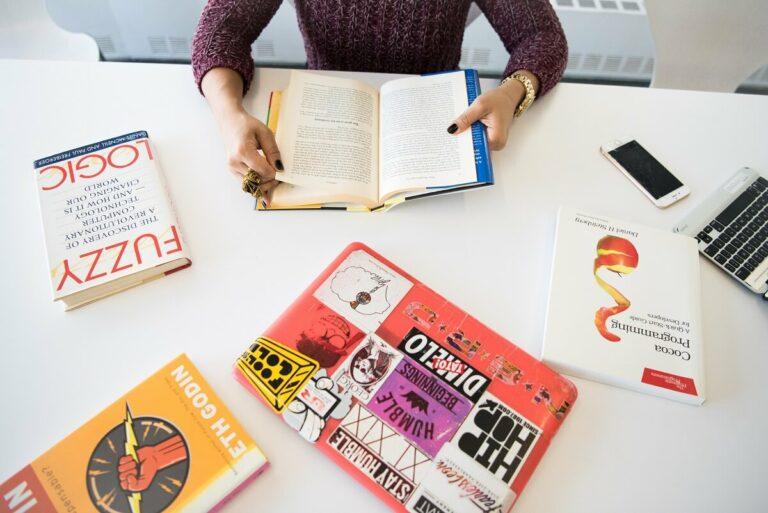 Mengapa Harus Membeli Buku Original? 1