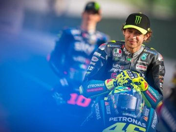 Biografi Valentino Rossi, Pembalap Motor Yang Penuh Kharisma 12