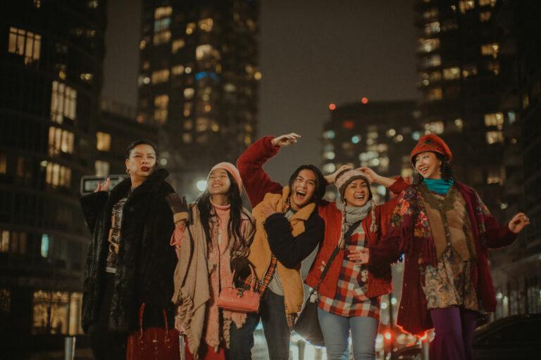 Tonton Film Drama Keluarga Indonesia Ini di Rumah Yuk! 1