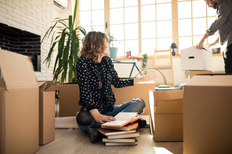 Buat Rumah Lebih Lega dengan Decluttering 1