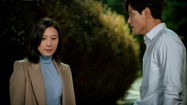 5 Pelajaran yang Bisa Diambil dari Drama Korea The World of the Married 4