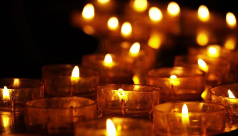 Makna Yang Tersirat Dalam Syair Lagu Lilin-Lilin Kecil 1