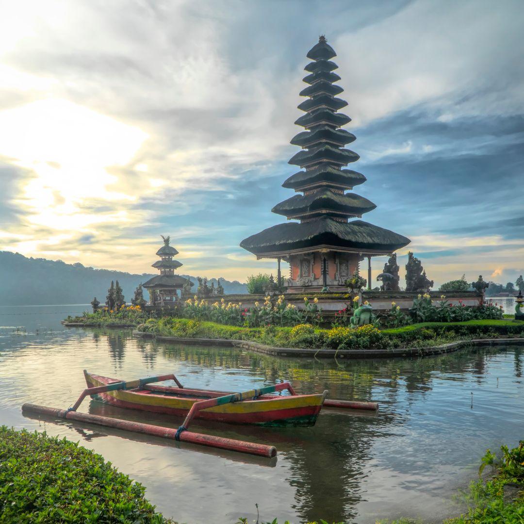 4 Tempat Wisata Pura Populer di Bali 5
