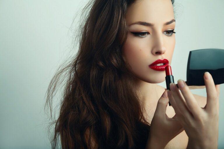 Sudah Tahu Perbedaan Lipstick, Lip Tint, dan Lip Cream? Berikut Penjelasannya 1