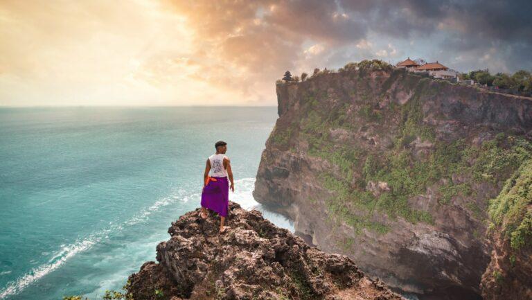 4 Tempat Wisata Pura Populer di Bali 1