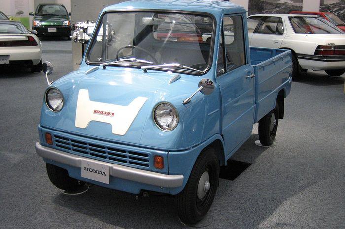 Mobil pertama produksi honda