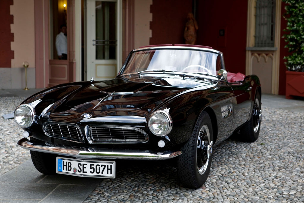 Koleksi Mobil Klasik Membawa Nuansa Nostalgia 6