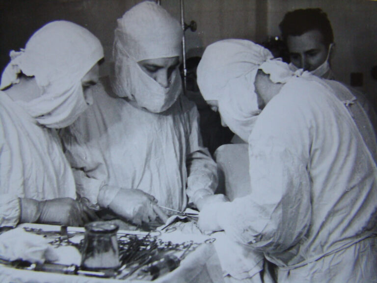 Sakitnya Operasi Zaman Dulu Tanpa Obat Bius! Begini Sejarahnya 1